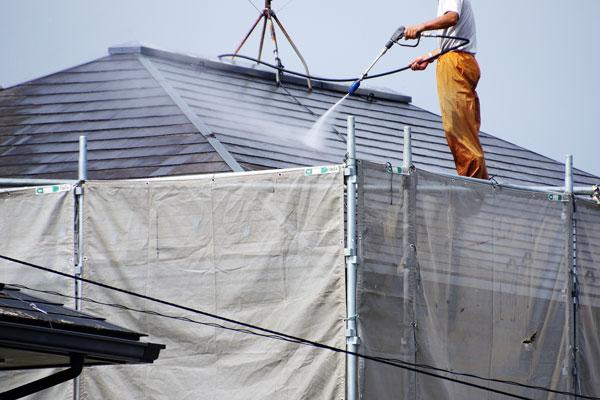 屋根の清掃と修繕でまるで新築のように!